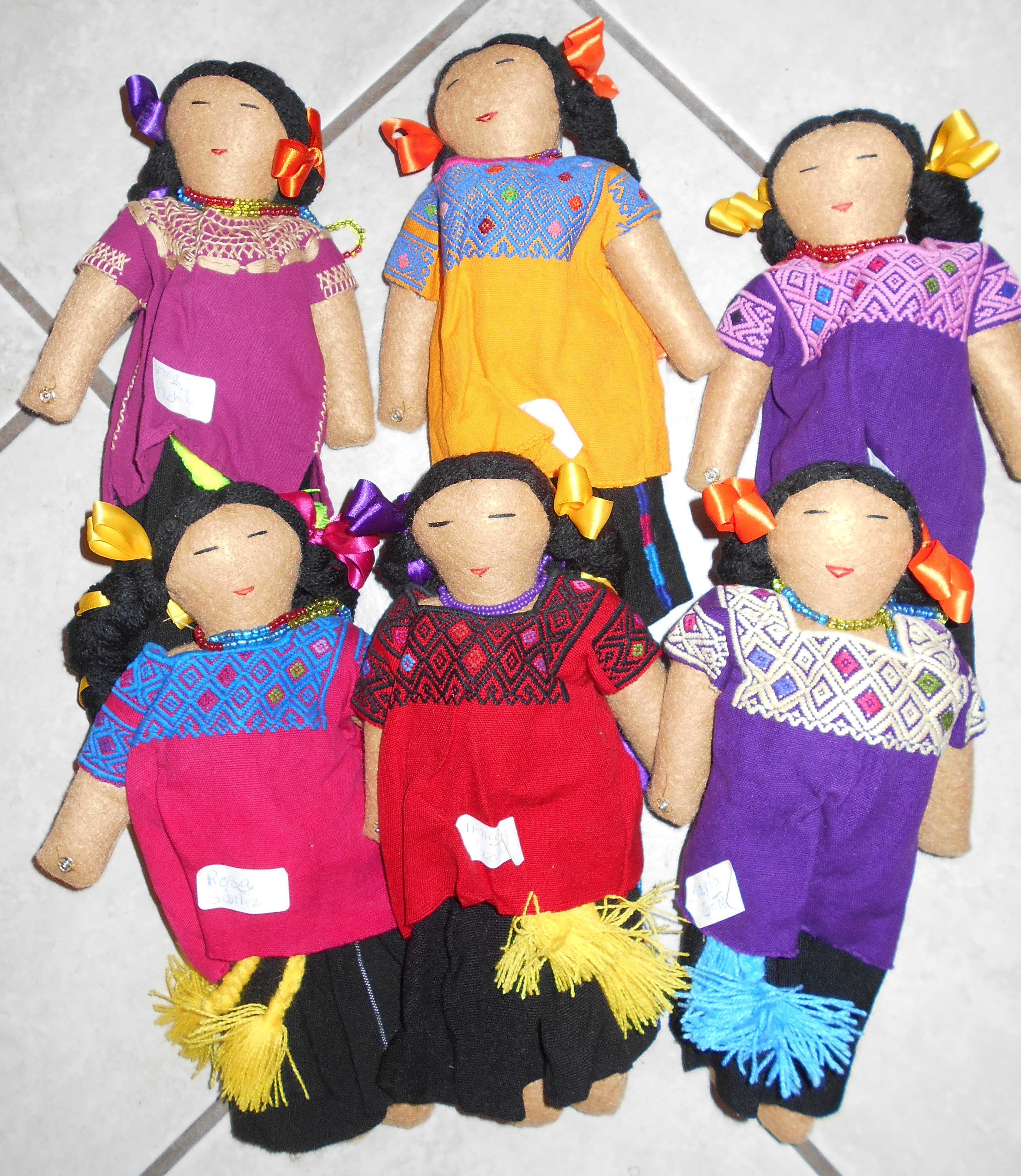 Children's cloth books in Tsotsil and Spanish